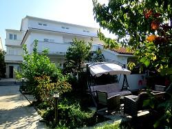Apartments & Studios ANKA, direkt am Meer, fuer 2,4 bis 6 Personen.