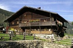Hüttenurlaub im Damals, 2 Ski und Berghütten bei Kitzbühel