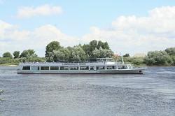 Schifffahrten auf der Elbe, dem Elbe Seiten Kanal und Elbe Lübec...