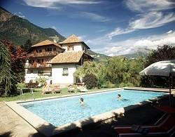 Ferienwohnungen, Frühstückspension, Schwimmbad in einem historis...