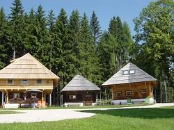 Familienurlaub Hüttenurlaub Chalet Kärnten Hund Spielplatz Sauna...