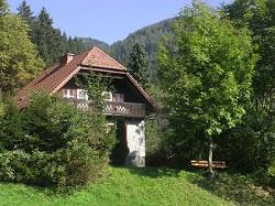 Ferienhaus am Waldrand mit Garten, Nähe Freischwimmbad und Wande...