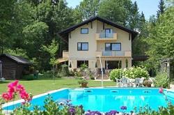 Ferienhaus Ferienwohnungen mit Pool am Faaker See und freien Ein...