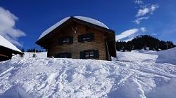Ferienhaus 'Alpenrose Karin' direkt an der Piste auf 1500m
