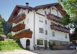Ferienwohnungen Wanderurlaub Ski u. Wanderurlaub in den Dolomite...