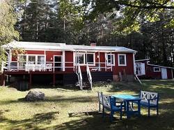 Ferienhaus in Smaland direkt am See mit Ruderboot und Sauna