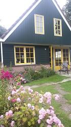 Ferienhaus am Kanal in Nordholland in ruhigem Ferienpark, 8 km...