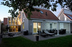Ferienhaus Ferienvilla Luxuriöses Ferienhaus im 5 * Villapark Ze...