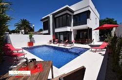 Villa Saphir Neubau mit Pool, Klima u. Internet für 8 Personen