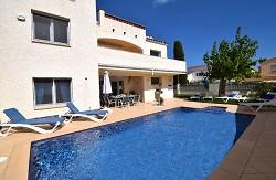 Villa Sunshine für 9 Personen mit Pool, Klima und Internet in ze...