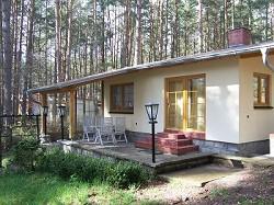 Ferienhaus Bungalow am Roofensee direkt am See auf grossem natur...