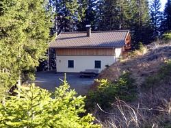 Ferienhaus Almhütte Eichhörnchen Hütte (Skihütte) mitten im Skig...